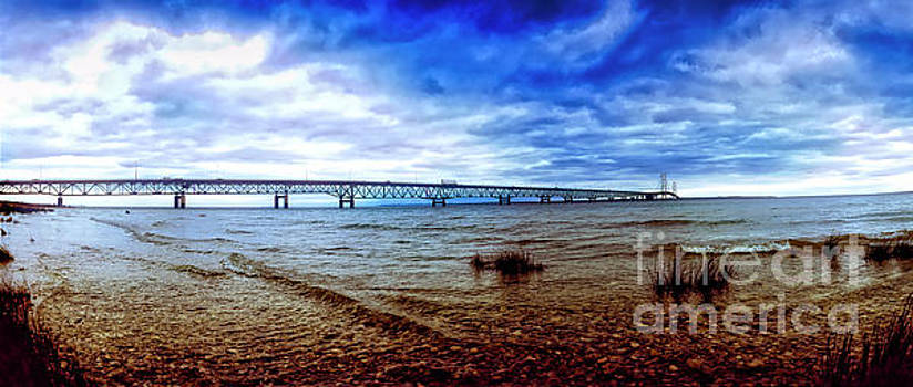 Michigan upper peninsula Mackinaw Bridge 9060900132 by Tom Jelen