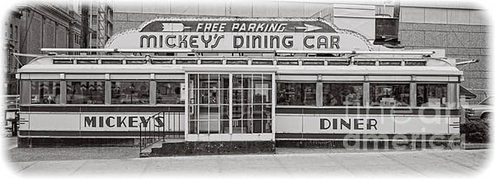 Edward Fielding - Mickey