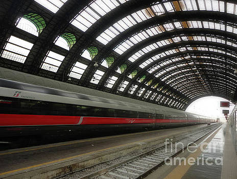 Gregory Dyer - Milan Train Station