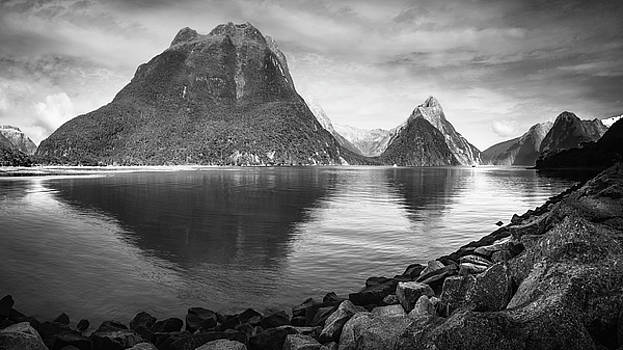 Milford Sound Panorama in black and white by Daniela Constantinescu