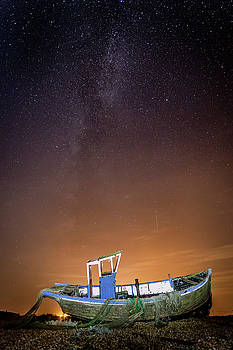 Milky Way above by Kelvin Trundle