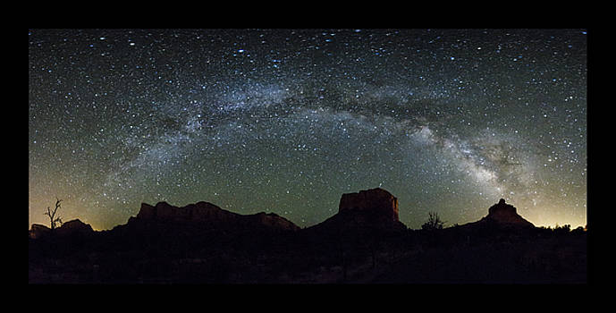 Milky Way Over Bell by Tom Kelly
