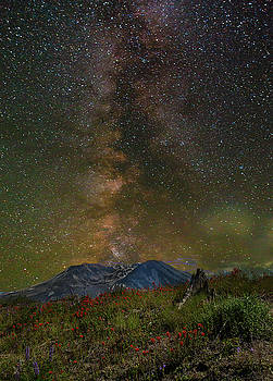 Milky Way over Mount St Helens by David Gn