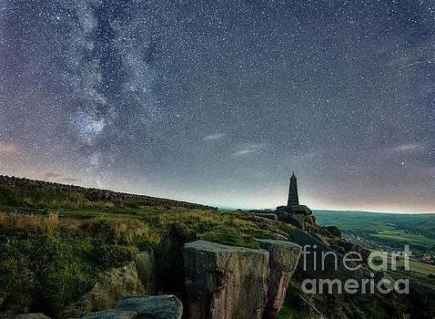 Mariusz Talarek - Milky Way over the Earl Crag