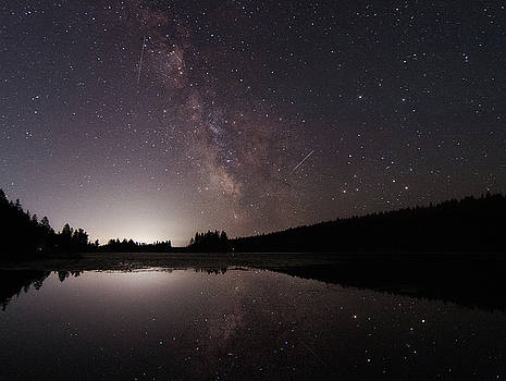 Milkyway over Blanchard lake by Alan Anderson