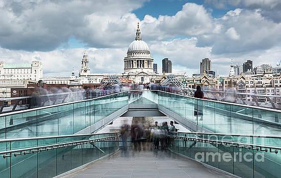 Svetlana Sewell - Millennium Bridge
