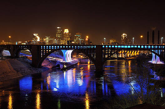 Minneapolis Skyline #1 by Jonathan Charpentier photography