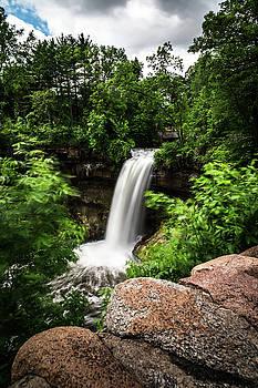 Minnehaha Falls by Daniel Chen