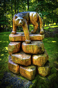 Mirnie's Cougar Sculpture by David Patterson