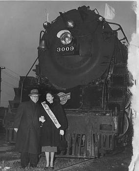 Chicago and North Western Historical Society - Miss Friendship and Dignitary in Front of Friendship Train - 1947