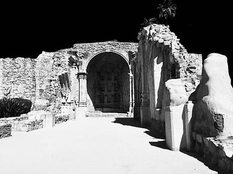Mission San Juan Capistraano 1 by Shawn Noetzli