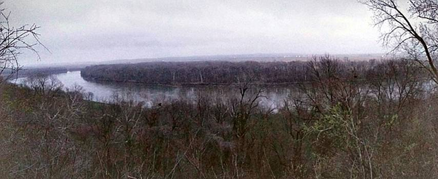 Missouri river bend in Atchison by Dustin Soph
