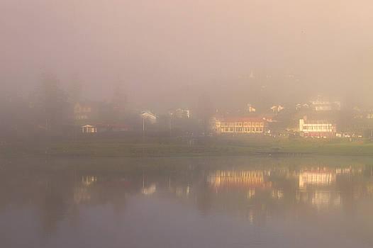 Mist over Lake Gregory by Hitendra SINKAR