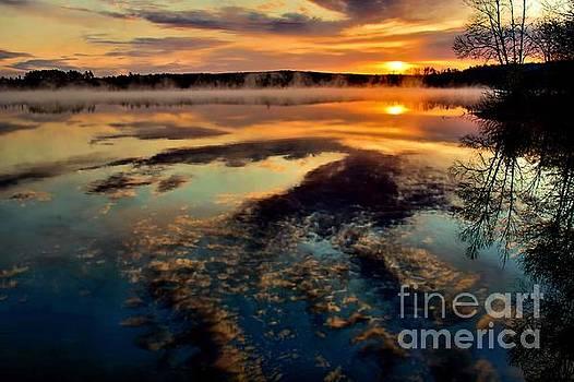 Matthew Winn - Misty Morning on Devoe Lake