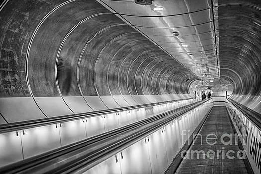 Patricia Hofmeester - Modern tunnel underground subway Rotterdam