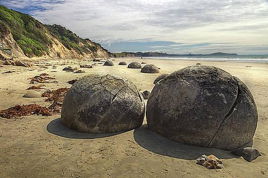 Moeraki Boulders, New Zealand by Martin Wackenhut