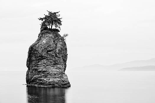 Mohawk Rock by Marcelo Barrera