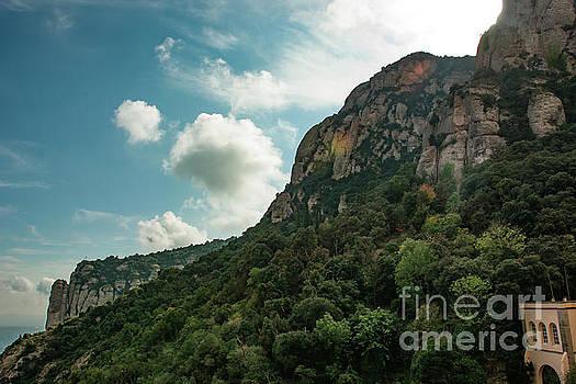 Montserrat by Reynaldo Brigantty