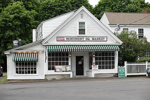 Monument Square Market in Hollis, New Hampshire by New England Photographic