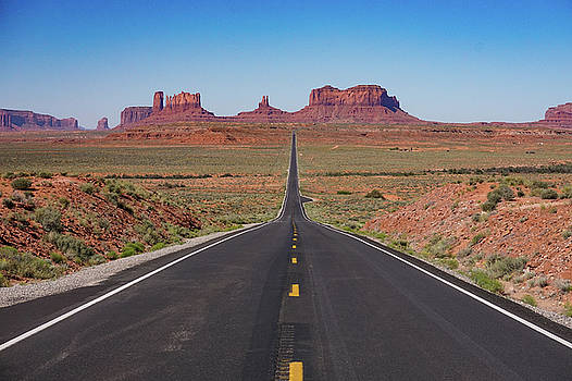 Monument Valley by Bill Gabbert