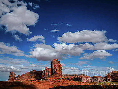 Monument Valley by Francis Lavigne-Theriault