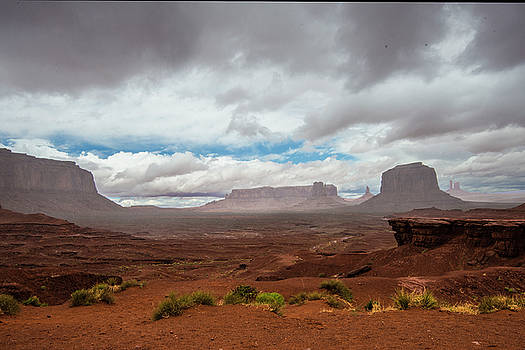 Monument Valley rain by Roy Nierdieck