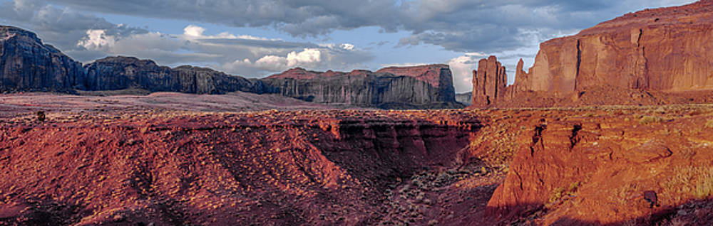 Monument Valley Sunrise by Gary Shepard