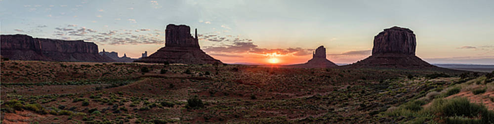 Monument Valley Sunrise  by John McGraw
