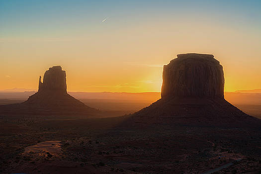 Monument Valley Sunrise by Ray Devlin