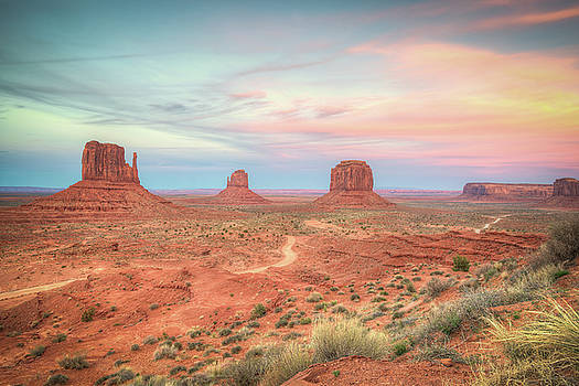 Monument Valley Sunset by Ray Devlin