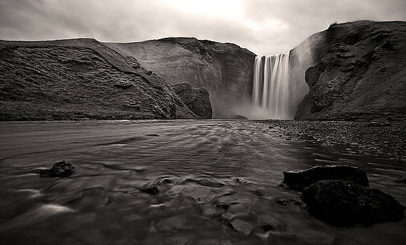 Moody Iceland by Chris Allington