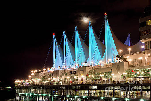Moon over Canada Place in Vancouver by Maria Janicki