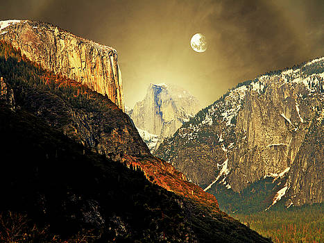 Wingsdomain Art and Photography - Moon Over Half Dome