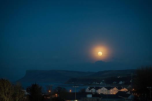 Moon Rise by Alex Leonard
