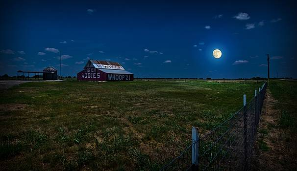 Moonlight Over Aggie Barn by Linda Unger