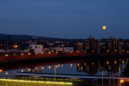 Mike Shaw - Moonrise in Belfast