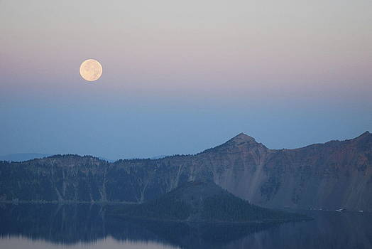 Moonset at Crater Lake by Lawrence Pratt