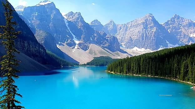 Moraine Lake by Robert Goulet