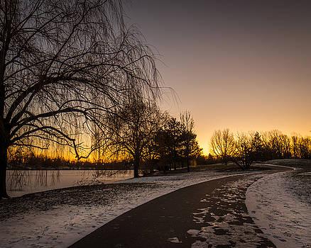 Chris Bordeleau - Morning Glow Along Hoyt Lake