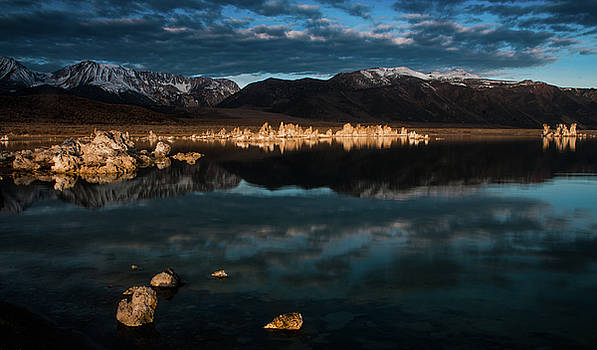 Morning Light at Mono Lake by Ralph Vazquez