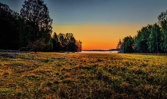Morning Mist Over Dyarna 2 #h7 by Leif Sohlman
