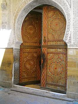 Moroccan mosque door by Exploramum Exploramum