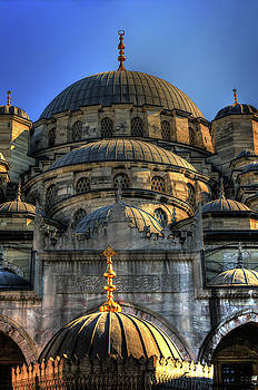 Mosque by Tom Prendergast