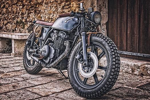 Motorcycle by Ichiro Hasegawa