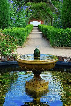 Mottisfont  fountain by Richard Gibb