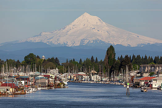 Mount Hood and Columbia River House Boats by David Gn