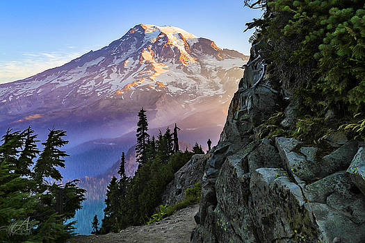 Mount Rainer by Thomas Ashcraft