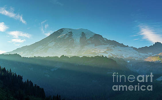 Mount Rainier Dusk Sunrays by Mike Reid