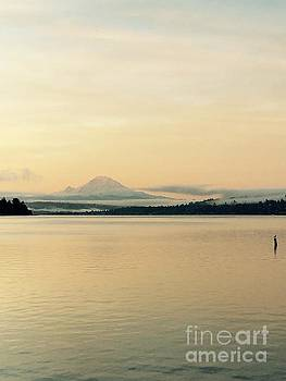 LeLa Becker - Mount Rainier in the morning