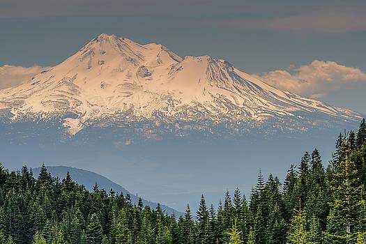 Mount Shasta by Thomas Pettengill